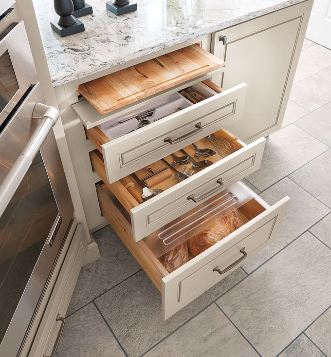 Three-drawer-base